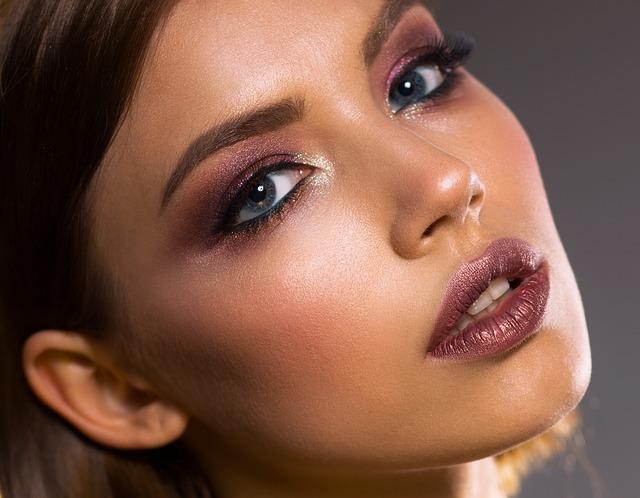 Le maquillage une histoire de femmes