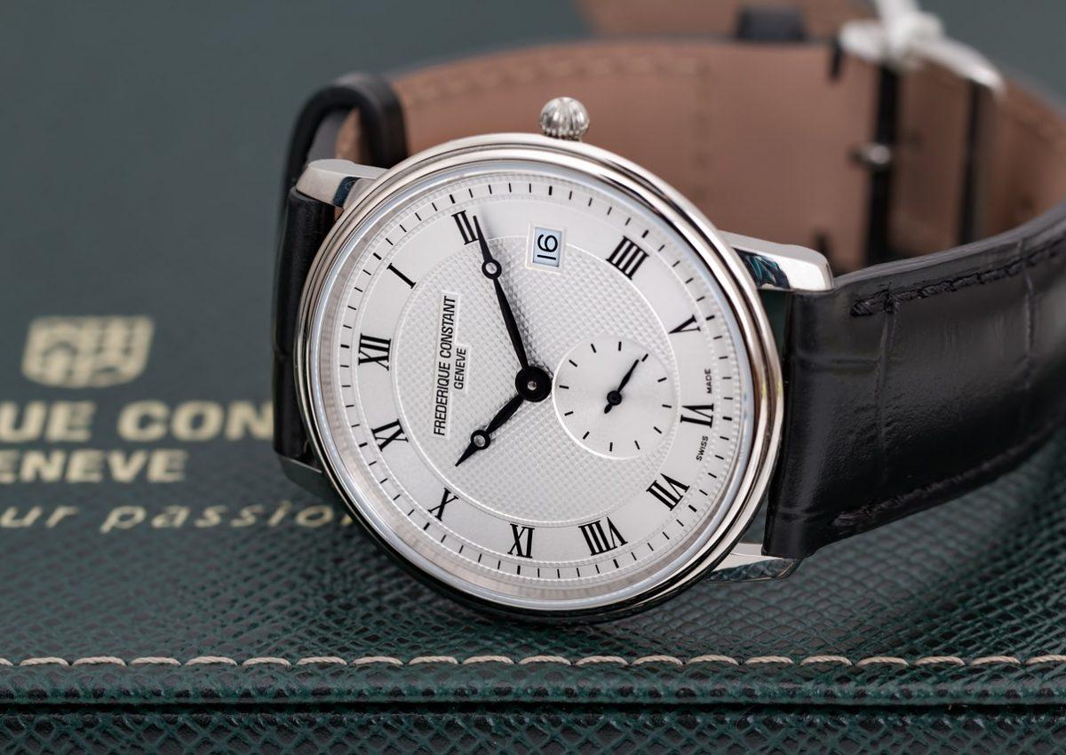 montre bracelet noir cadran blanc