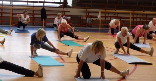 Sports: Un équilibre entre le travail et les loisirs est préconisé, ce qui est plus facile à dire qu'à faire. Des études montrent que de plus en plus de Suédois sont en arrêt maladie